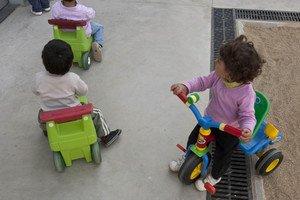 Niñosjugando en una guardería de Barcelona.