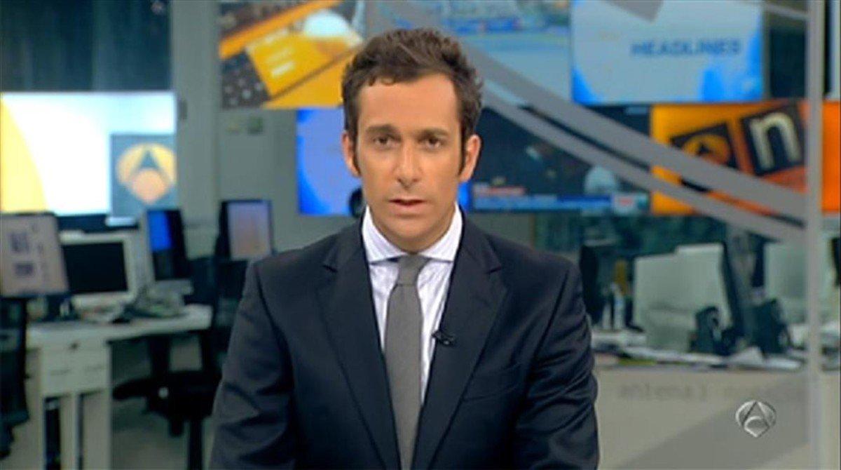 El periodista Álvaro Zancajo, presentador de Noticias 2 en Antena 3.