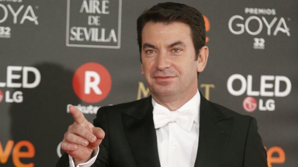 Arturo Valls se desmarca de la reivindicación feminista: No hay que marear .