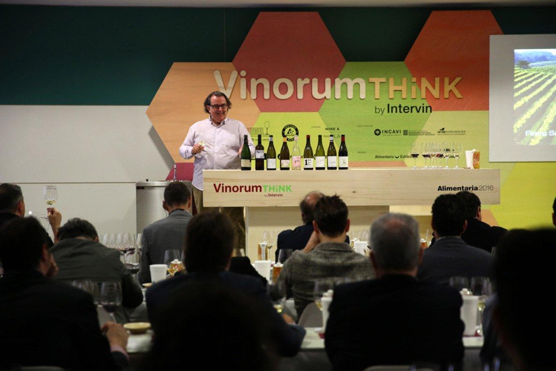 Cata de vinos en el espacio Vinorum Think, durante la primera jornada de Alimentaria.