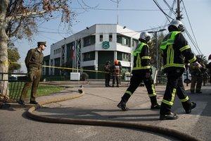 El sitio de laexplosion de un paquete bomba en Chile.
