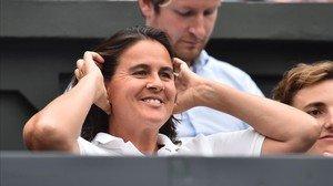 Conchita Martínez, la entrenadora de Muguruza, durante la final contra Venus Williams en Wimbledon.
