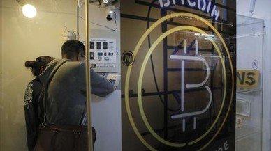 El bitcóin cae al nivel más bajo desde noviembre