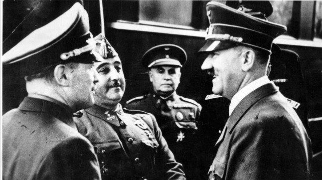Entrevista entre Hitler (derecha) y Franco, en la estación de Hendaya, el 23 de octubre de 1940.
