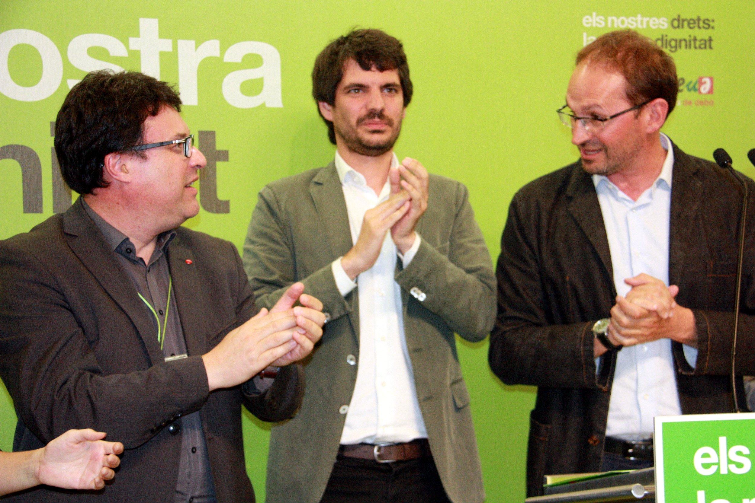 El europarlamentario Ernest Urtasun en rueda dede prensa para valorar los resultados de las elecciones europeas.