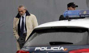 Francisco Correa se dirige a la Audiencia Nacional, el pasado 13 de febrero.