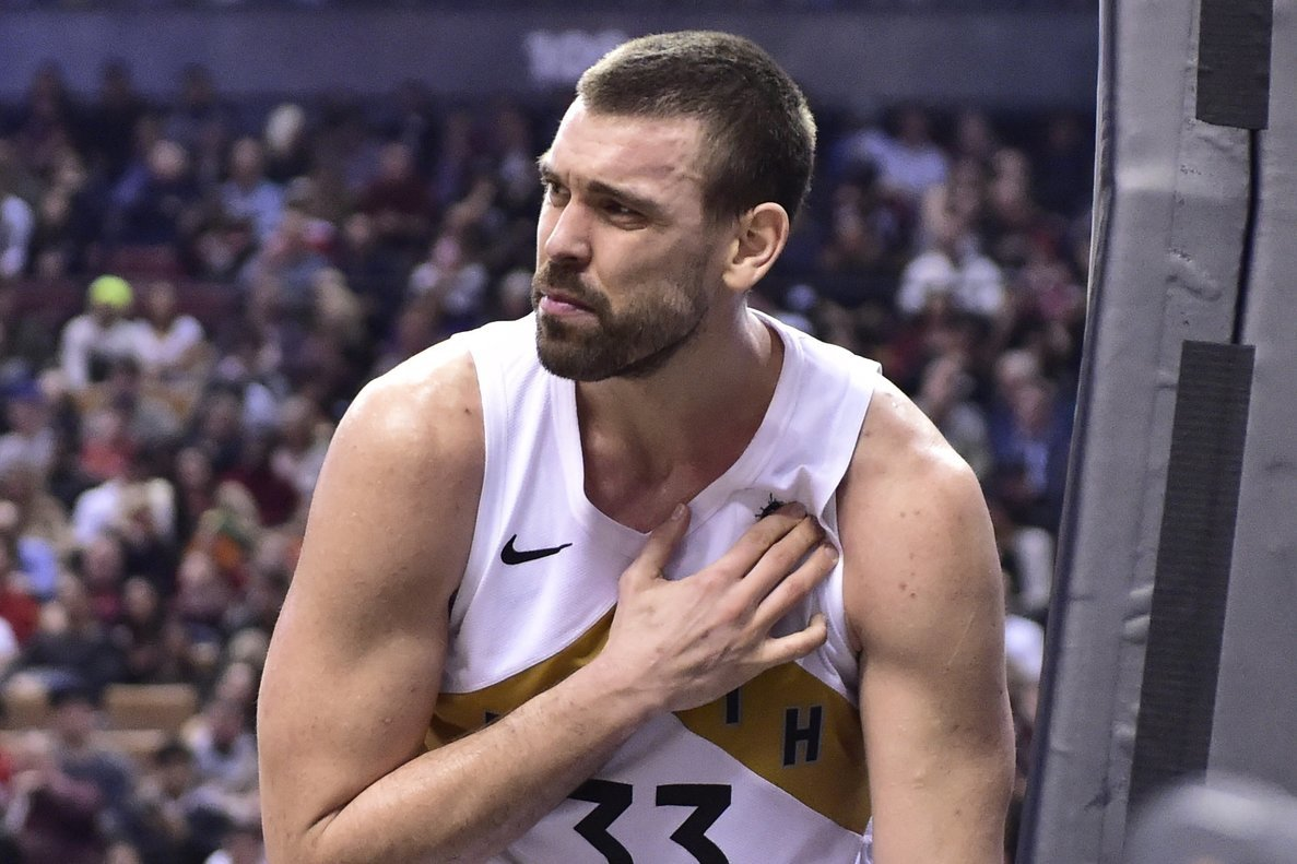Marc Gasol destrossa Lebron James