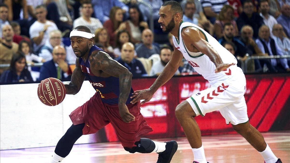 Hanga (derecha), con Rice. Uno que llega al Barça y otro que se irá.