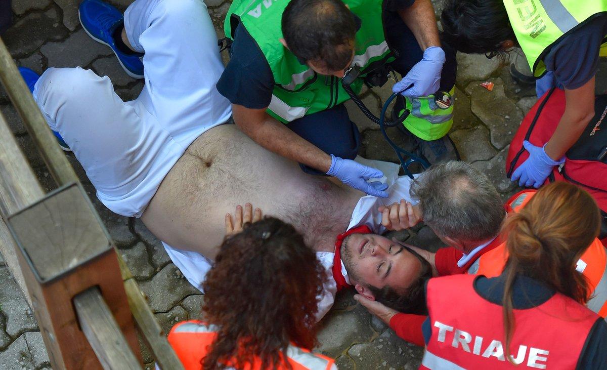 Un herido en el encierro de este viernes en los Sanfermines.