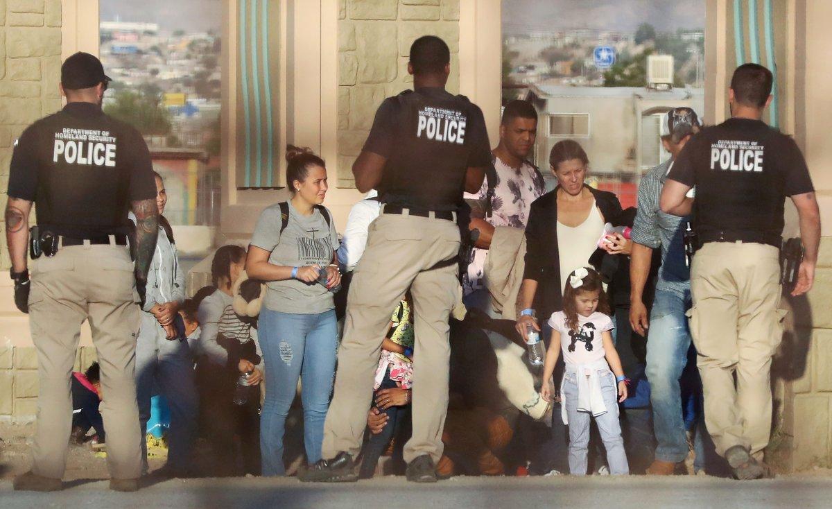 Este caso de abuso y acoso sexual está siendo investigado por las autoridades migratorias.