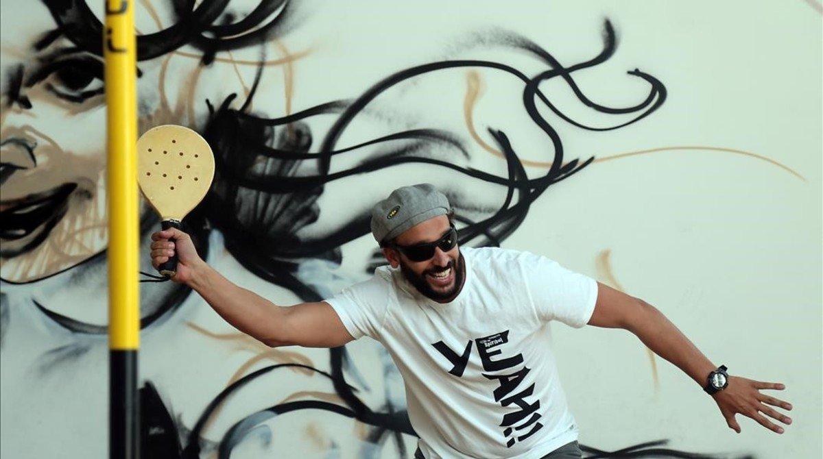 Jesús Candel, 'Spiriman', también lleva la Fundación Spiribol, que ayuda a través del deporte a niños con problemas sociales.