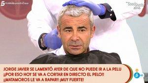 """Jorge Javier Vázquez se rapa el pelo en directo: """"Madre mía, qué destrozo"""""""