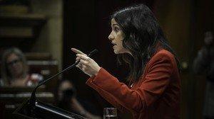 Inés Arrimadas en una sesión en el Parlament