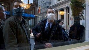 Jude Law, en un fotograma de 'Contagio', de Steven Soderbergh