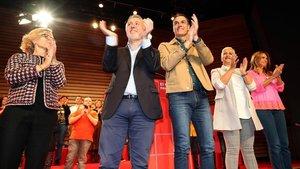 Pedro Sánchez y el líder de los socialistas canarios, Ángel Víctor Torres, durante la campaña