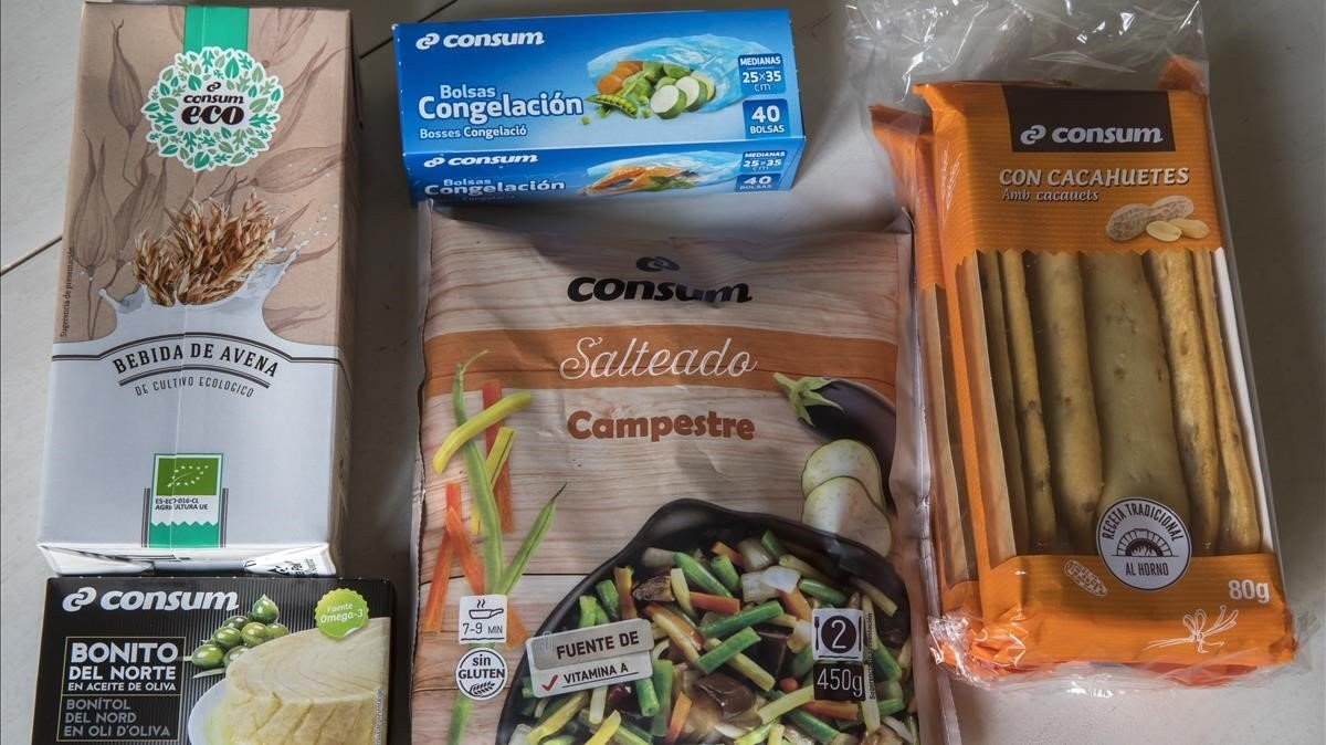 Consum s'enreda amb el català