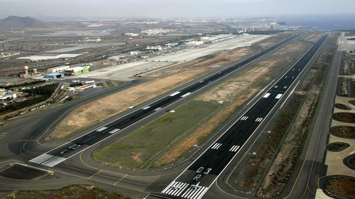 Las dos pistas del aeropuerto de Gran Canaria.