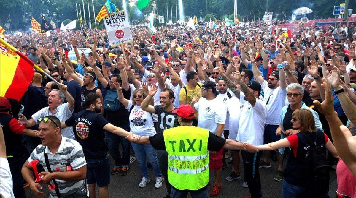 La manifestación en la plaza de Neptuno.