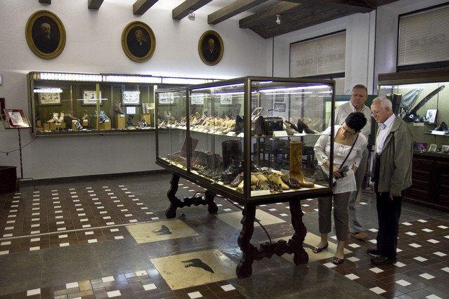 Una de las salas expositivas del Museu del Calçat, de la plaza Sant Felip Neri, cuando aún estaba abierto.