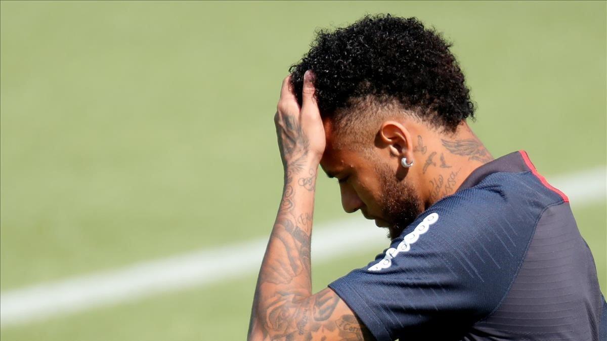 Neymar, en un entrenamiento con el Paris SG.