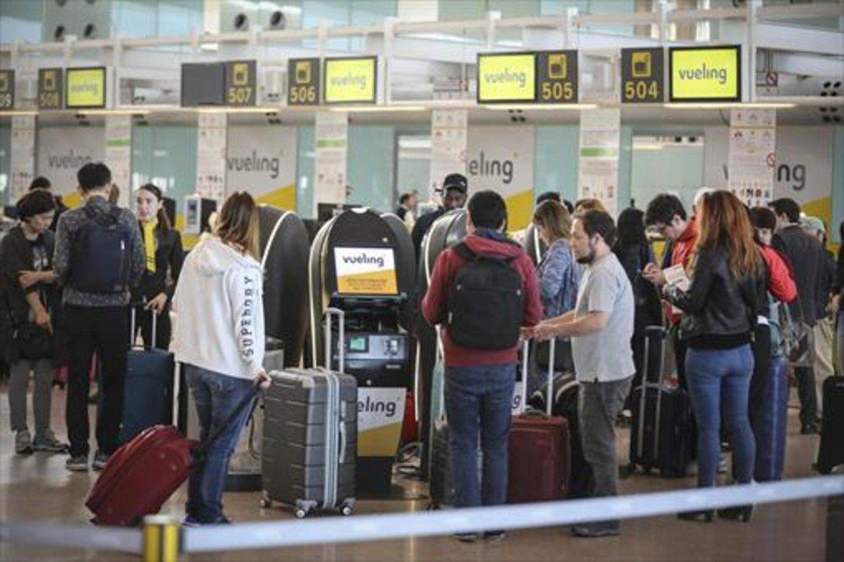 Mostradores de Vueling en el aeropuerto de Barcelona-El Prat.