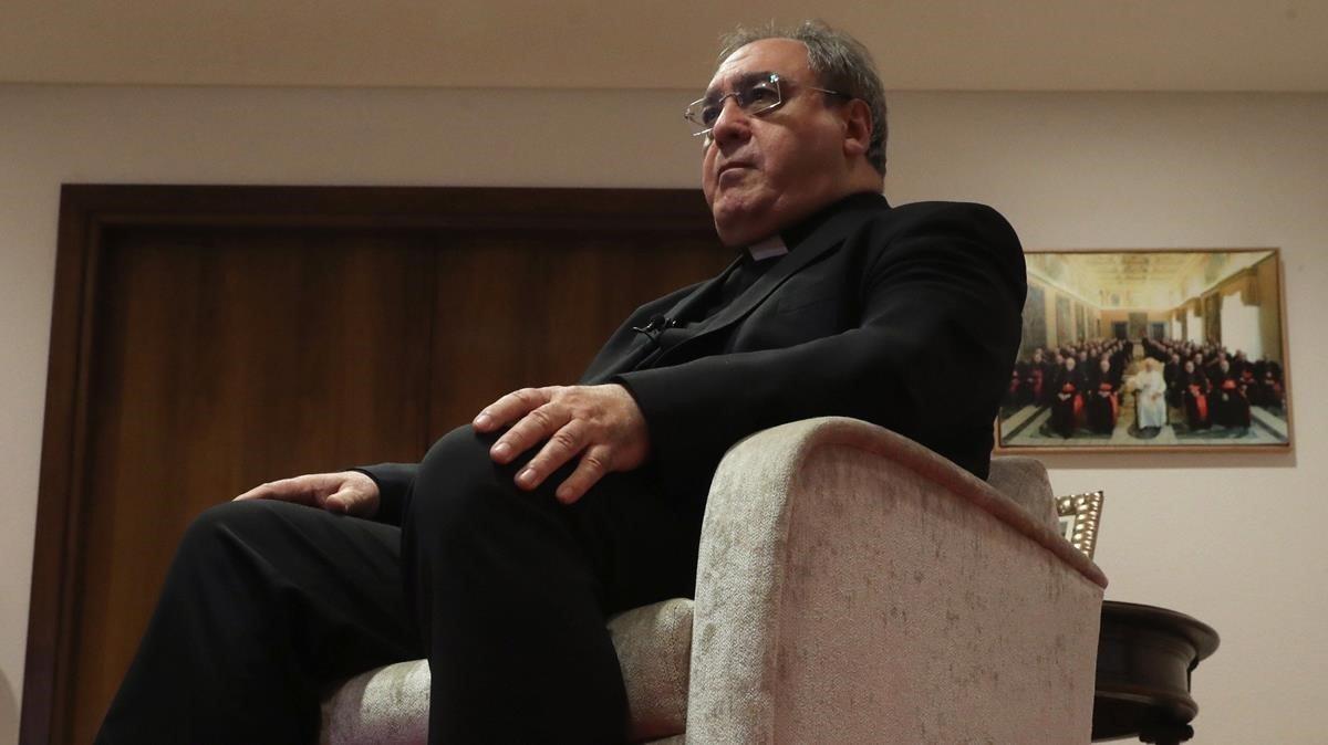 José María Gil Tamayodenunciauna inquisición laica contra la iglesia.
