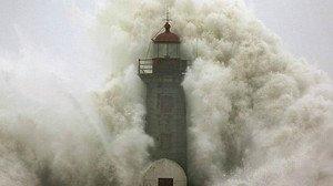 Ola gigante en la Costa de Morte gallega.