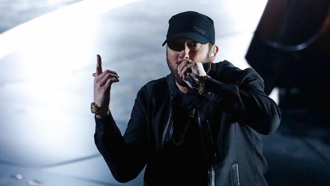 Oscars 2020. Eminem actúa por sorpresa en la gala de los Oscar con la canción de la película '8 Mile'.