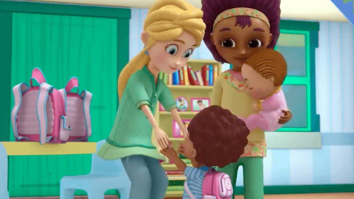 La pareja de lesbianas de 'Doctora juguetes'.