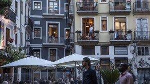 Pisos turísticos en el barrio de El Carmen, una de las zonas de València con mayor oferta de estas viviendas