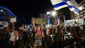 Portesta frente a la vivienda de Netanyahu en contra del nuevo confinamiento, el pasado 26 de septiembre en Jerusalén.