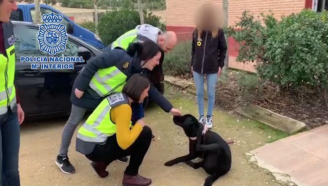 Agentes de la Policía Nacional han rescatado a 'Pocahontas'.