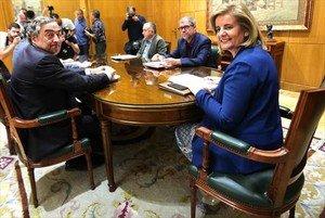 Reunión de sindicatos y patronales con la ministra de Trabajo, Fátima Báñez, el pasado 19 de septiembre.