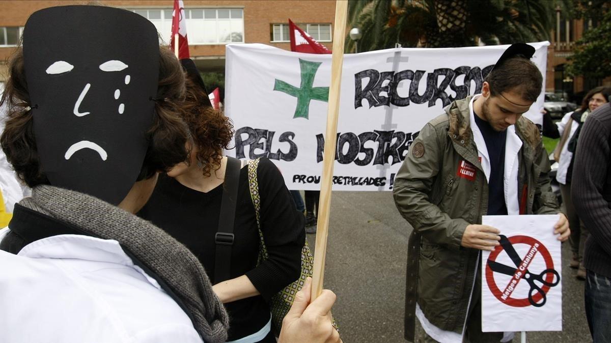 Concentración de médicos y enfermeras ante la Conselleria de Salut en noviembre del 2011.