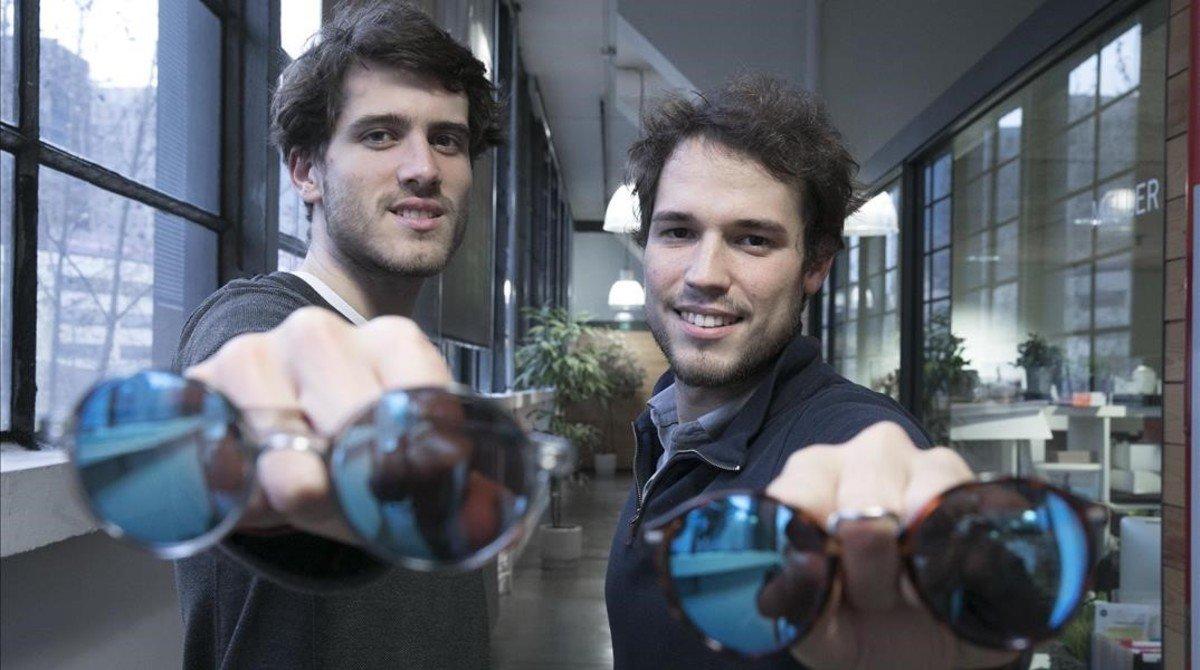Sergi Benet yMarco Grandi, cofundadores de la firma de gafas de sol y relojes Meller.