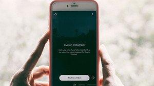 Un smartphone listo para grabar un vídeo de Instagram.