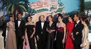 La familia real de Mónaco posa en el Baile de la Rosa, celebrado en marzo del 2019.