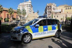 Un vehículo de la Policía Local de Sevilla.