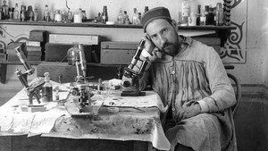 Autorretrato fotográficode Santiago Ramón y Cajal, en Valencia entre1884 y 1887.