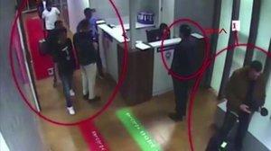 Fragmento de un vídeo grabado en el aeropuerto de Estambul el 2 de octubre del 2018en el que se observa al grupo desaudís que presuntamente hicieron desaparecer al periodista Jamal Jashoggi aquel mismo día.