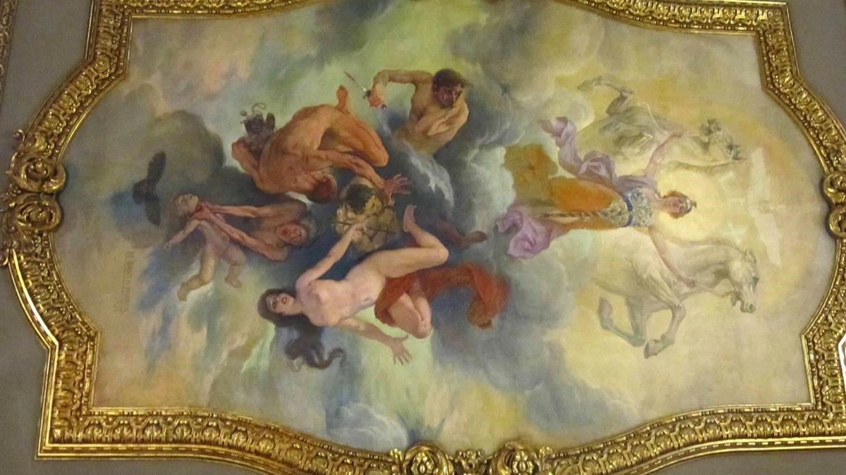 La ley triunfa sobre el mal, la pintura que cubre el techo sobre los acusados del procés.