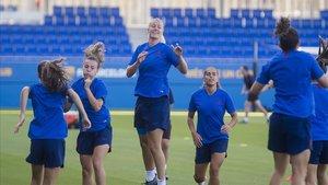 La Lliga femenina de futbol prova de consolidar el seu auge amb grans novetats esportives, però envoltada de conflictes econòmics