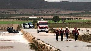 El coche en el que fallecieron en Caudete (Albacete) las dos primeras víctimas de la Depresion Atmosferica en Niveles Altos (DANA)