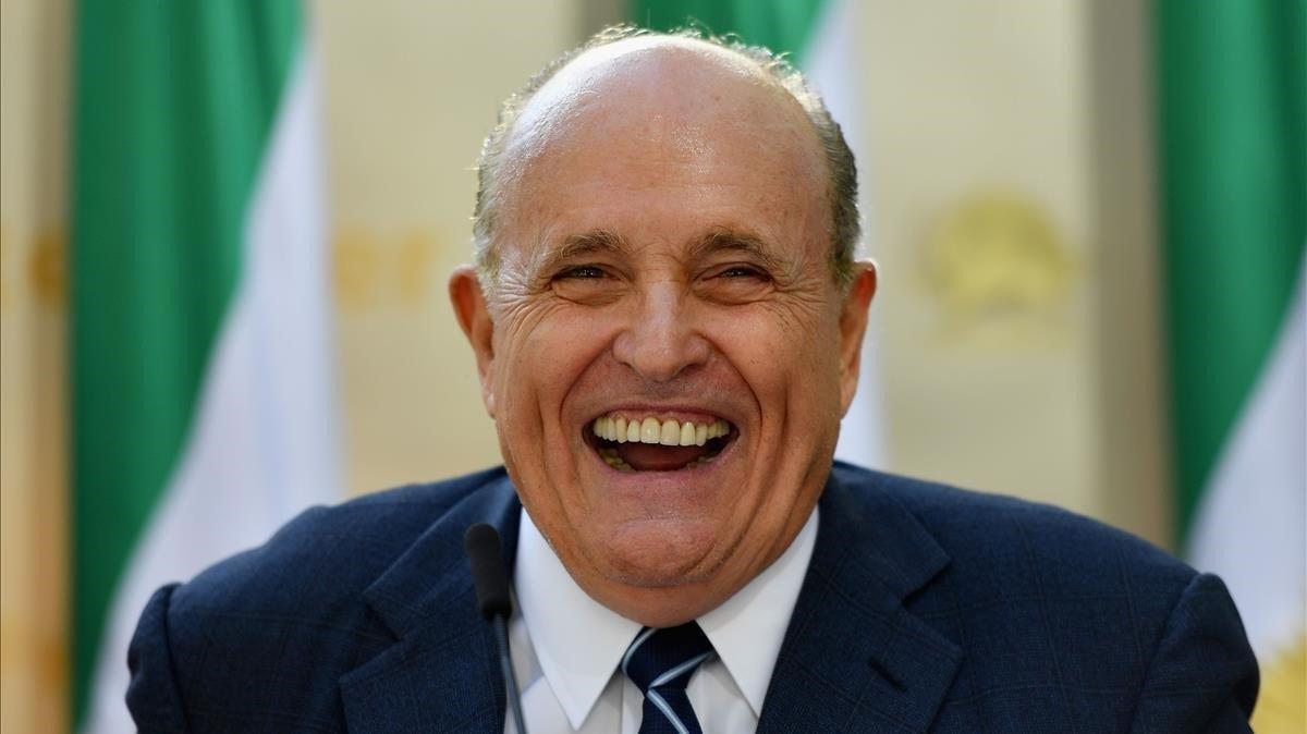 Rudy Giuliani: d'heroi a amenaça per a la democràcia