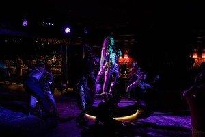 Zuu: bailar sobre los restos de Jimmy'z