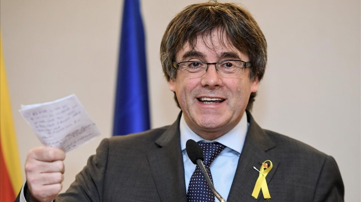 zentauroepp41211336 catalonia s sacked leader carles puigdemont speaks during a 171206132911