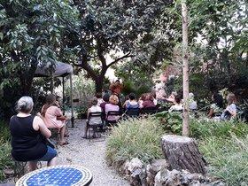 Cicle de contes per a adults en un paradís amagat de Gràcia