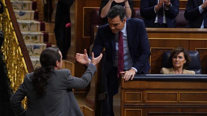 Sánchez aconsegueix la presidència davant una dreta ultra
