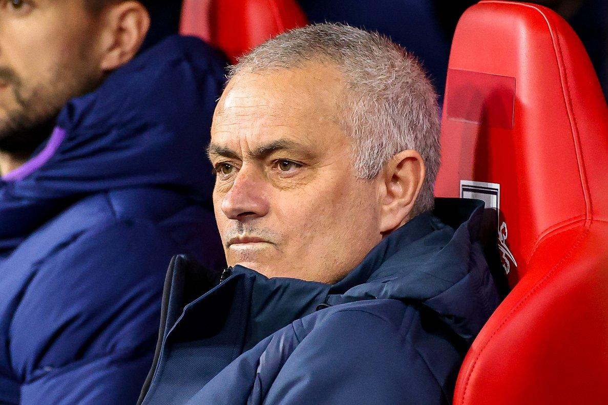 El técnico José Mourinho durante un partido con el Tottenham.