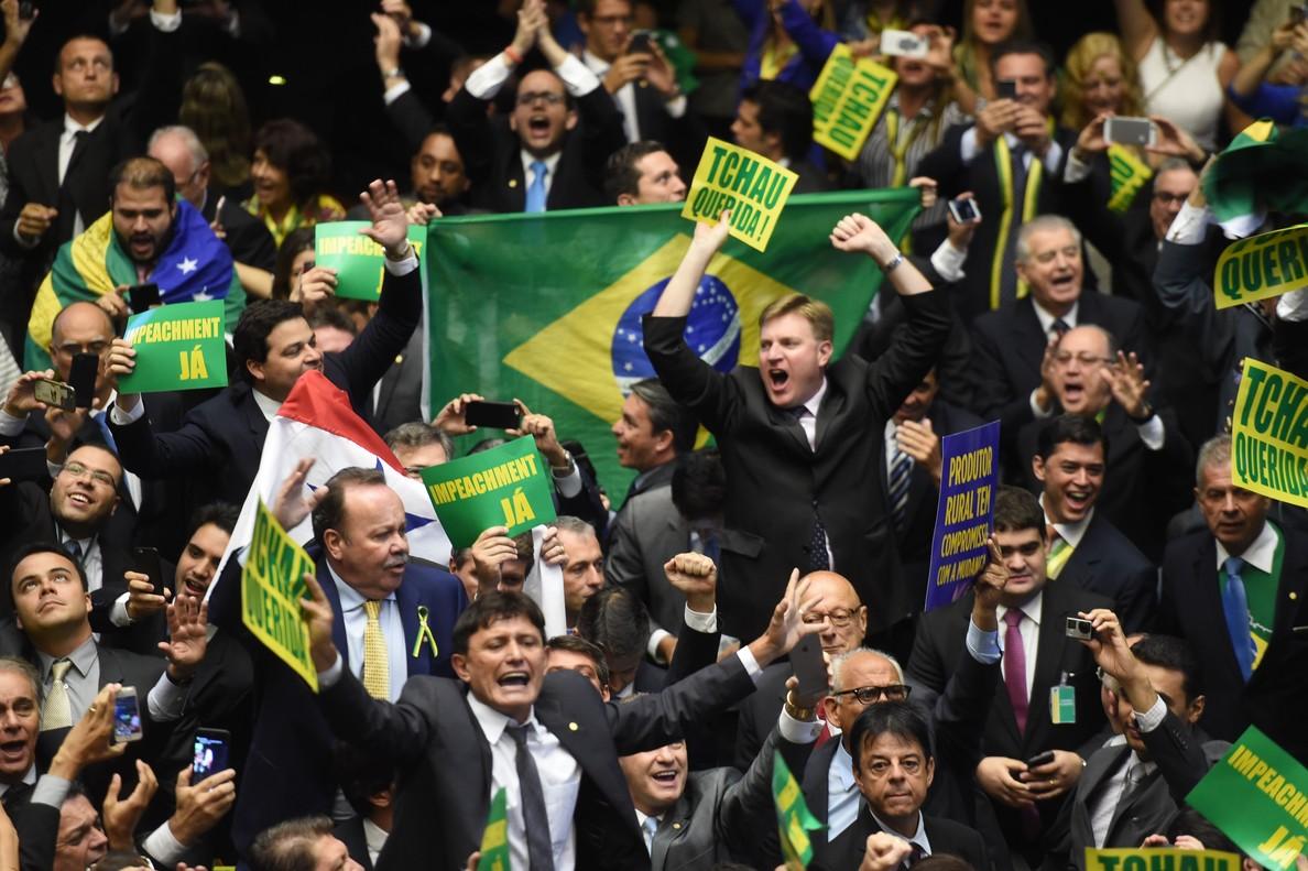 La Cambra de Diputats del Brasil aprova l''impeachment' a Dilma Rousseff